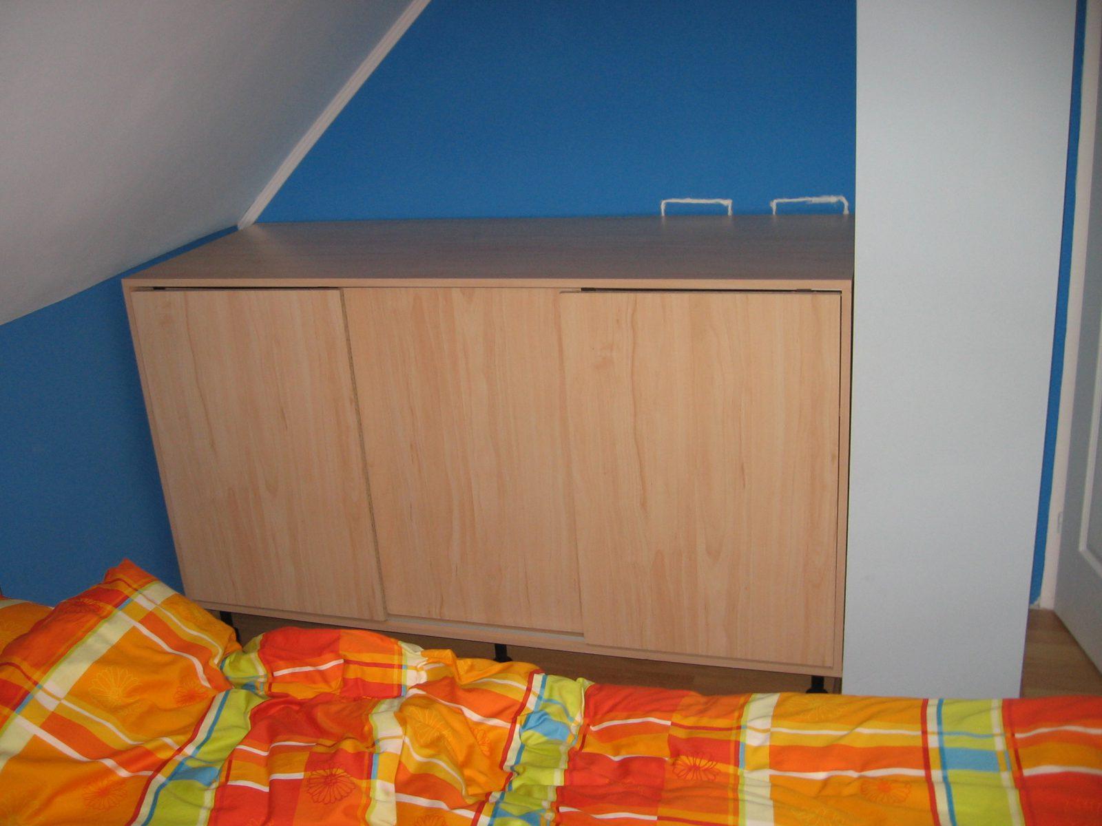 ruhatartó szekrény